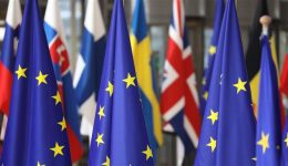 UK to suffer £252bn hit if it leaves EU without deal