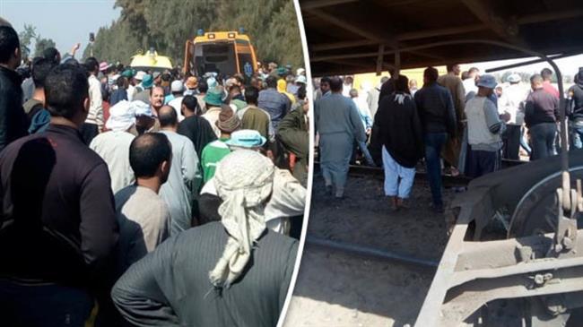 Train crash kills 10 in Egypt