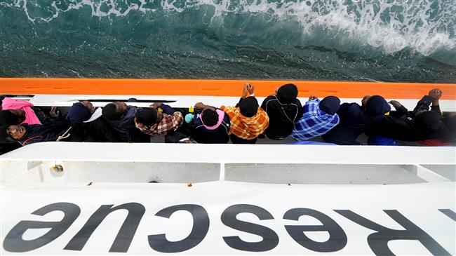 Over 600 refugees remain stranded at sea as Italy, Malta close ports