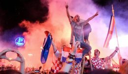 FIFA World Cup: 550,000 fans welcome Croatian team in Zagreb
