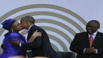 Obama emerges from shadows to honour Mandela in South Africa