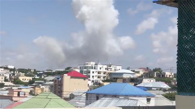 Car bomb hits Somali capital, leaves unknown casualties