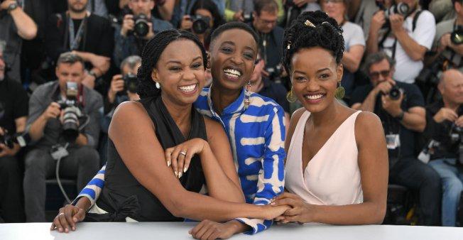 Eyeing Oscar run, Kenya briefly lifts ban on lesbian love film