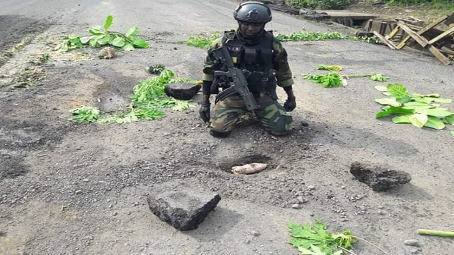 Cameroon gov't soldiers planting mines in Southern Cameroons