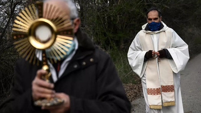 Coronavirus in Italy: the heavy price paid by Roman Catholic clergy