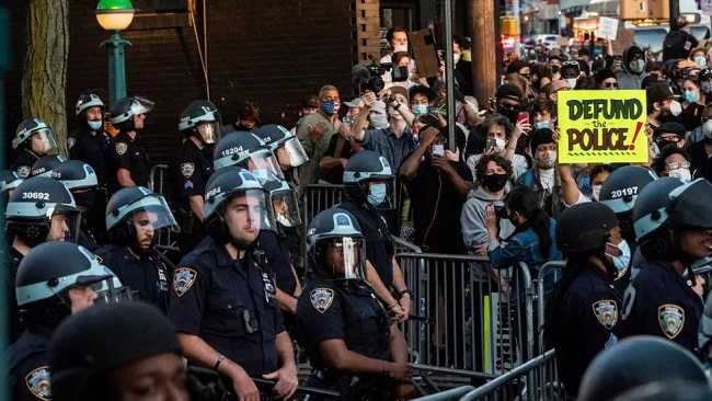 US: New York lawmakers vote to scrap police discipline secrecy law