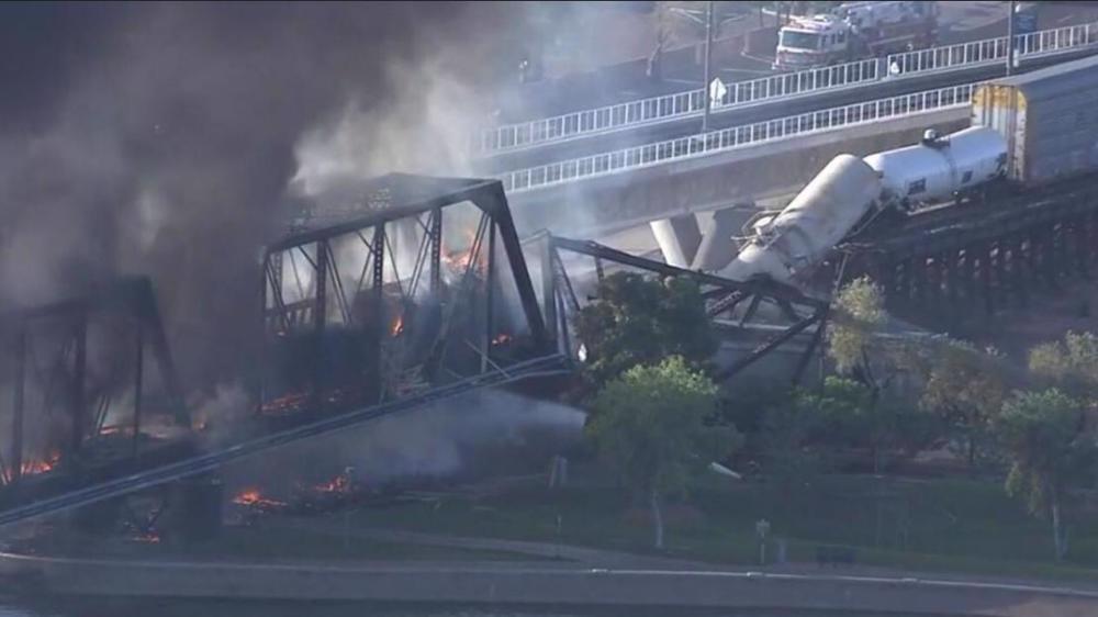 US: Arizona bridge burns, partially collapses after train derailment near Tempe Town Lake