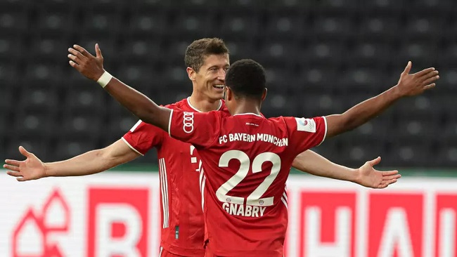 Football: Bayern crush Arminia 4-1 with Lewandowski, Mueller doubles