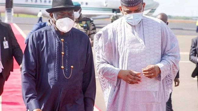 West African leaders, Mali crisis mediator Goodluck Jonathan in Bamako to ease country's political crisis