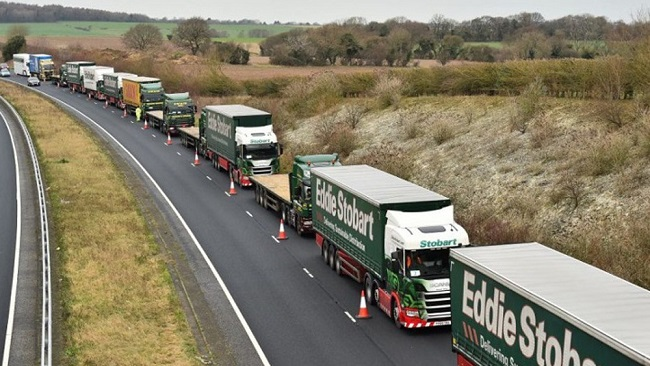 'Significant disruption' at UK borders as Brexit reality unfolds