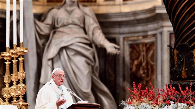 Pope says refugees' hopes must not be dashed