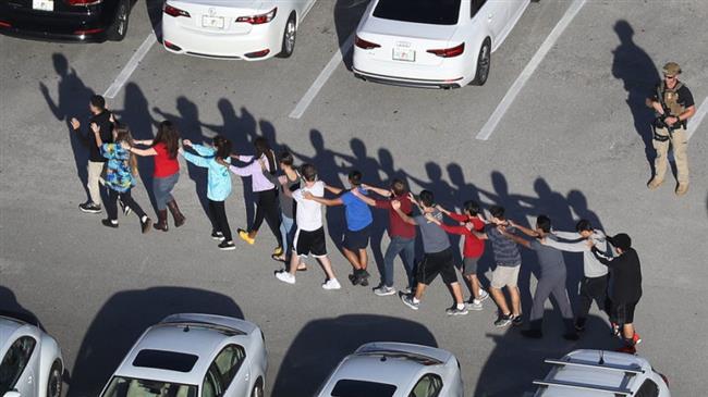 Florida Governor urges FBI director to resign after school shooting