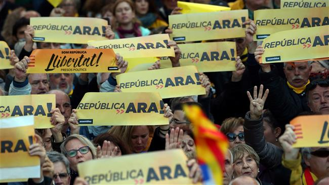 Thousands rally in Catalonia to demand split from Spain