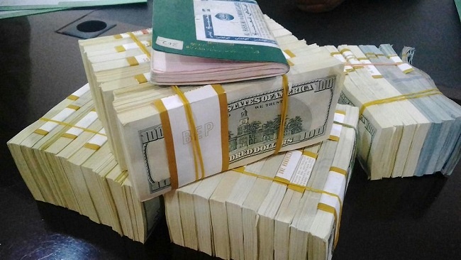 Nigeria probes man who attempted to fly with over $375,000 cash