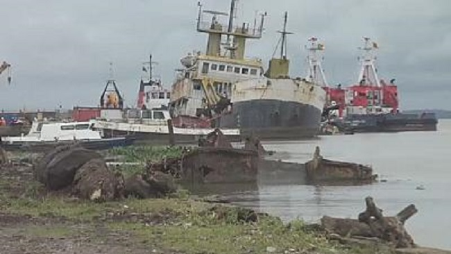 Three die after ferry heading to Cameroon sinks