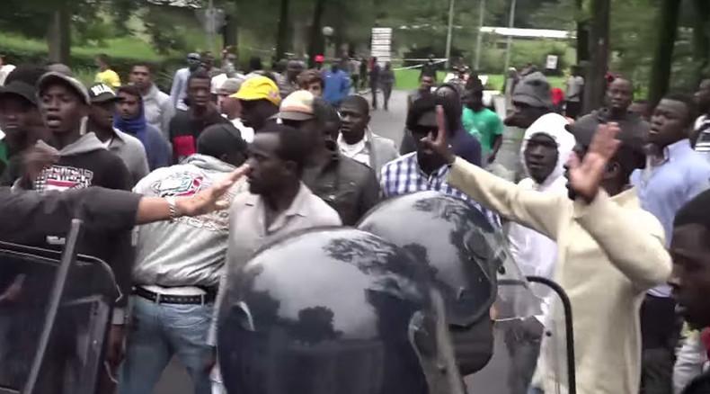 Italy: Protesters slam Salvini's migrant crackdown in Milan
