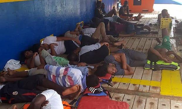 Southern Cameroons pregnant women among migrants stranded at sea off Tunisian coast