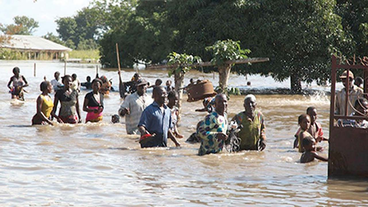 100 killed in severe flooding across 10 states in Nigeria