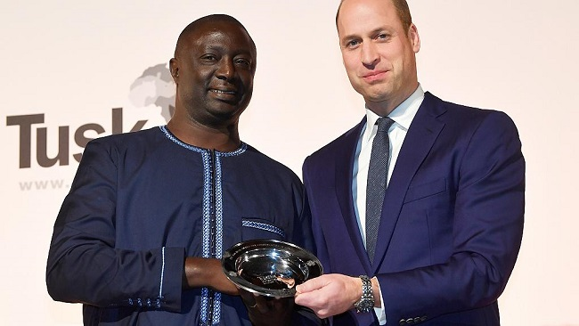 Prince William honours African wildlife conservationists
