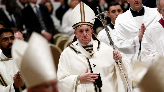 """Pope's Christmas message: """"God continues to love us all, even the worst of us"""""""