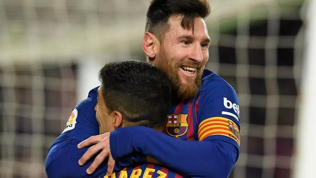 French football fans await Messi in Paris amid rumours of transfer to PSG