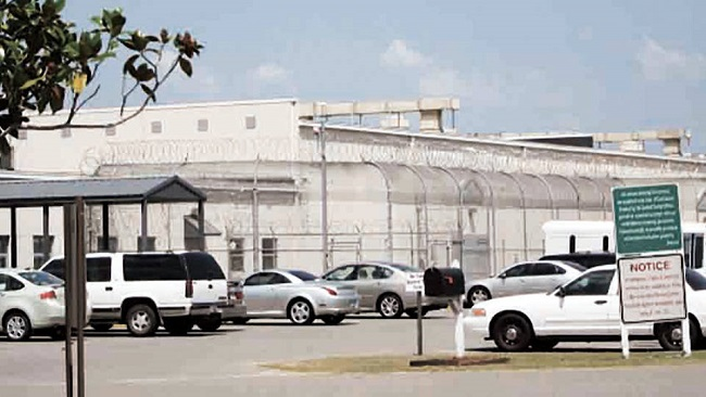US: Cameroonian asylum seekers were subject to torture at an ICE detention center in Mississippi