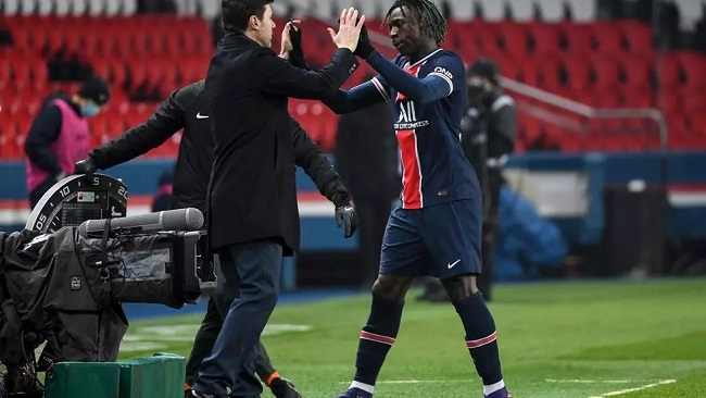 Football: Pochettino gets first win with PSG but Lyon stay top of Ligue 1