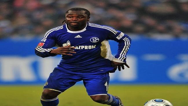 """Football: Crisis-hit Schalke sack Gross, Knaebel, Asamoah to take """"overall responsibility"""""""