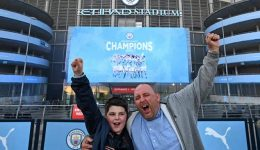 Football: Manchester City crowned English Premier League champions as Leicester win at Man United