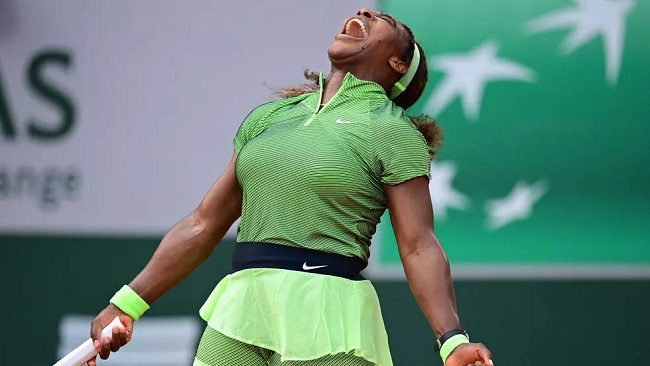 Tennis: Serena squeaks through as Tsitsipas, Medvedev also advance in French Open