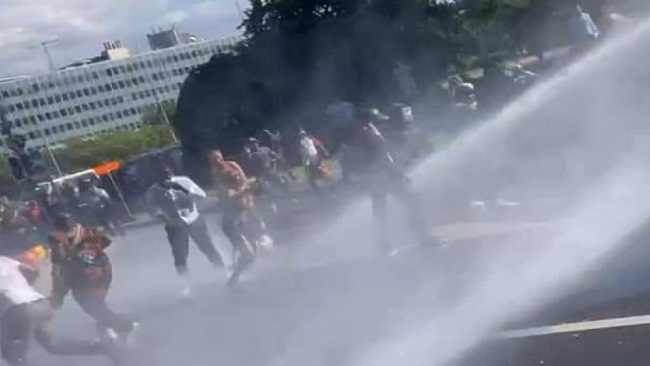 Biya Geneva Crisis: Police use tear gas, water cannon to break up rally outside InterContinental Hotel