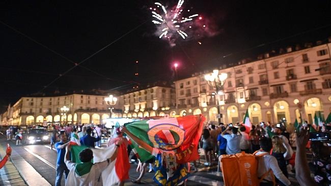Football: Italy explodes in joy upon winning Euro 2021