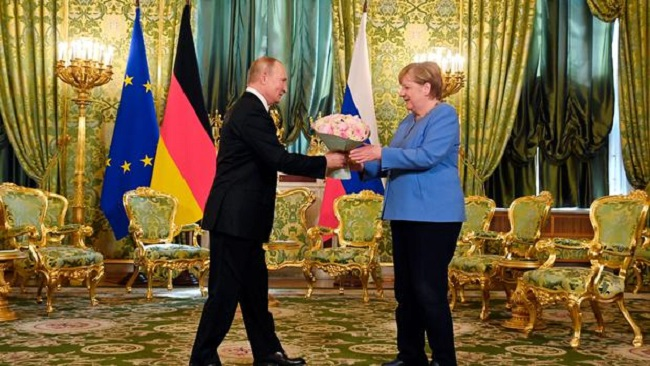 Farewell Russia Visit: Dr Merkel urges Putin to free Kremlin critic Navalny