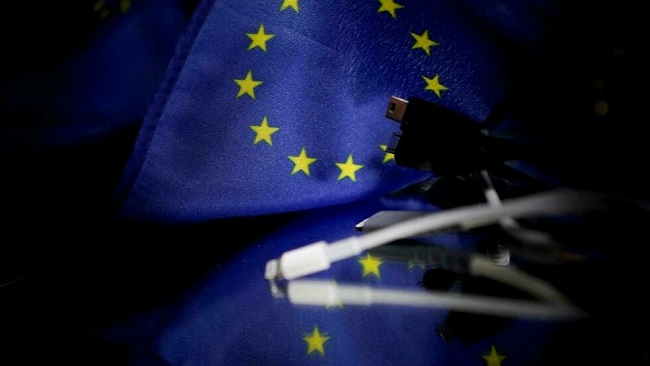 EU to impose universal phone charger, setting up clash with Apple