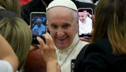 The Holy Father en route to Budapest and Orban talks, then Slovakia