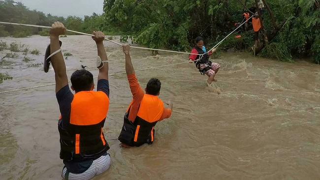 11 dead in Philippines storm
